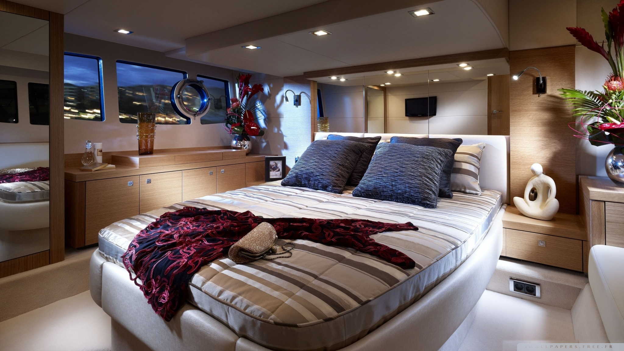 Yacht Bedroom Wallpaper 2048x1152 10 000 Fonds Décran Hd
